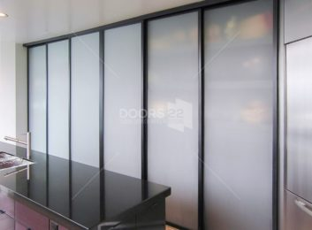 Kitchen Pantry (Frosted Glass)