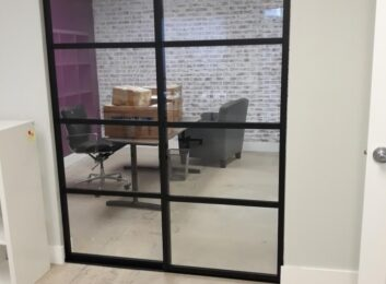 glass-office-wall-partitions-black-clear