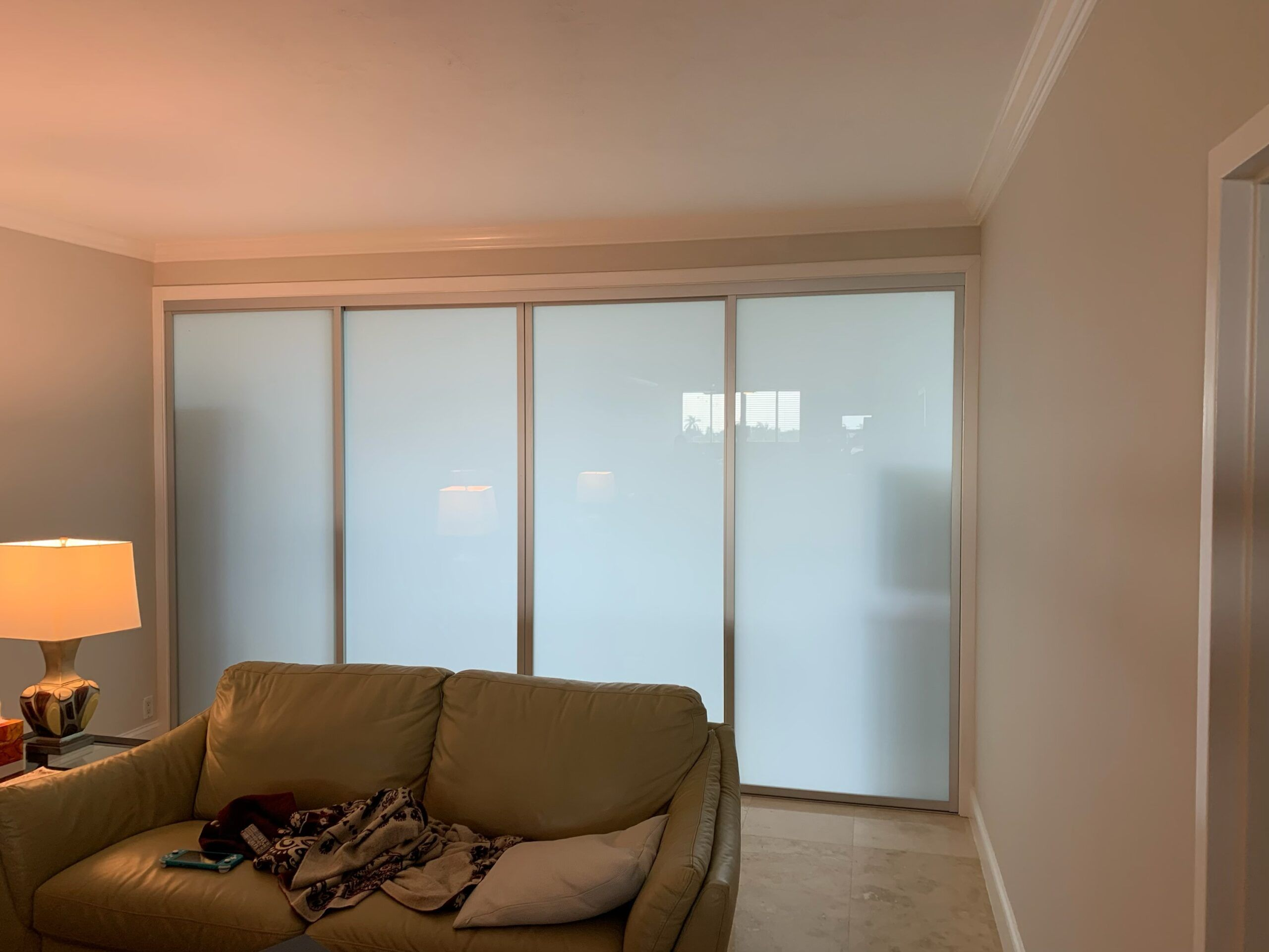 glass partition dividers