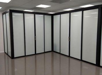 Sliding-glass-doors-beauty-salon